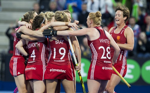 LONDON -  Unibet Eurohockey Championships 2015 in  London. Semi-Final England v Spain . The English women celebrate their goal.   WSP Copyright  KOEN SUYK