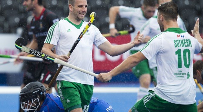 LONDON -  Unibet Eurohockey Championships 2015 in  London. Belgium v Ireland  . Peter Caruth (m) scored for Ireland 0-1 and celebrates with Alan Sothern. left Belgium goalie Vincent Vanasch (Gk) . WSP Copyright  KOEN SUYK